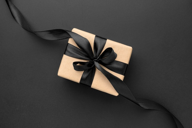 Variedade de vendas de sexta-feira preta plana com presentes