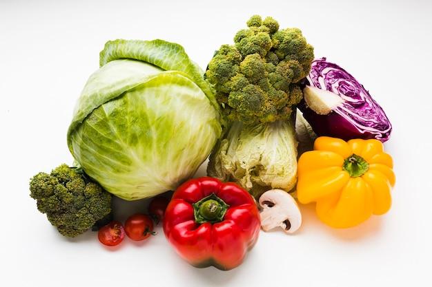Variedade de vista superior de diferentes vegetais frescos