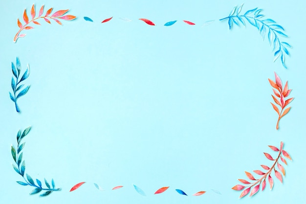 Variedade de vista superior de folhas tropicais com espaço de cópia