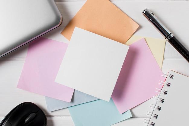 Variedade do dia do chefe com notas adesivas
