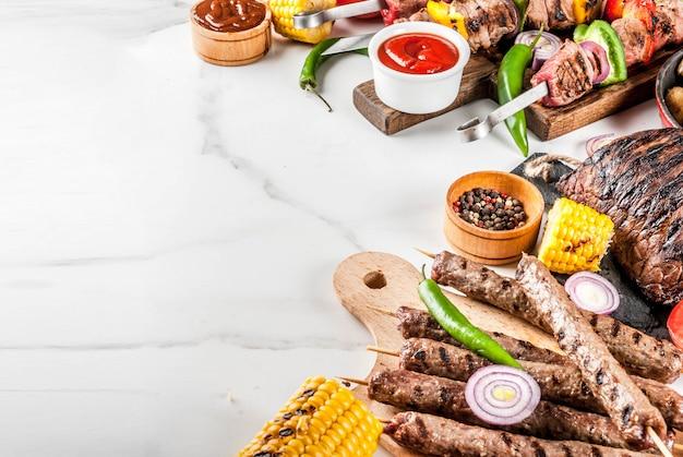 Variedade vários churrasco alimentos grelhados de carne, churrasco festa fest