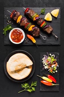 Vários deliciosos fast-food árabes