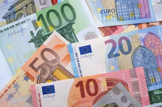 Vários euros diferentes
