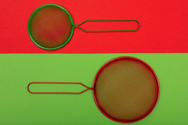 Vários filtros isolados em vermelho-verde