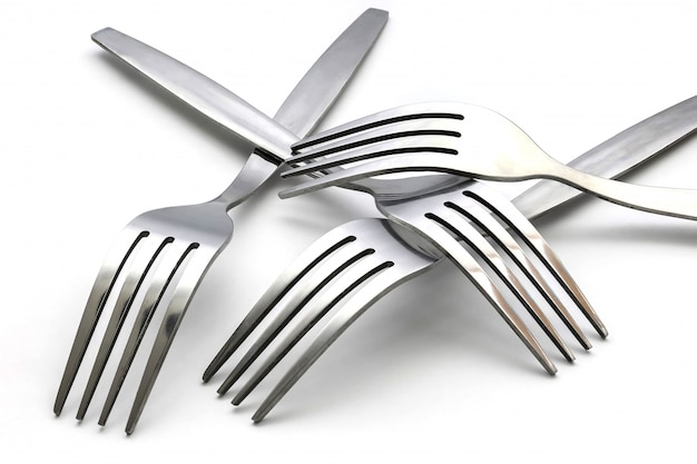 Vários garfo isolado no branco