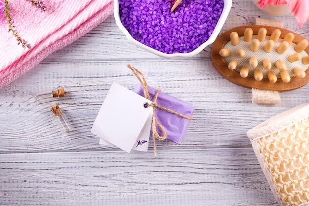 Vários produtos de spa e beleza