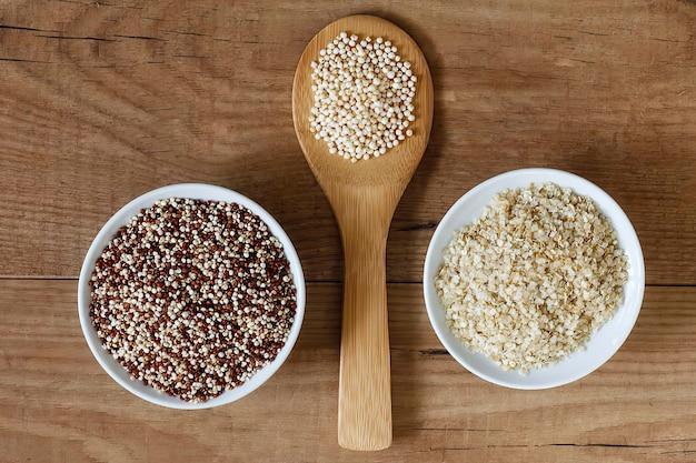 Vários tipos de cereais na mesa, vista de cima