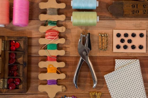 Vários tipos de ferramentas de costura