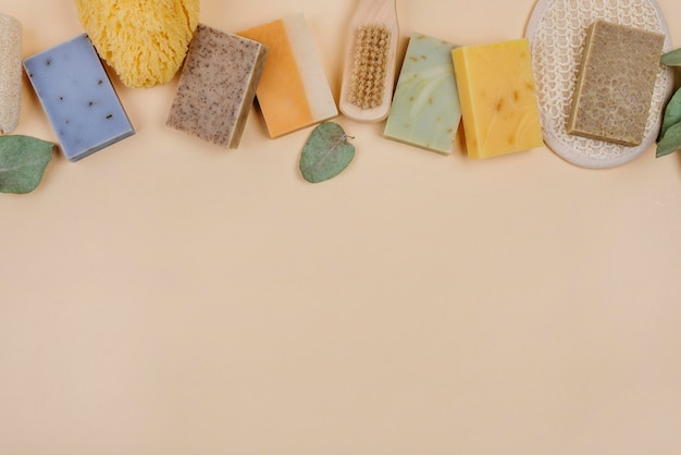Vários tipos de sabonetes naturais caseiros