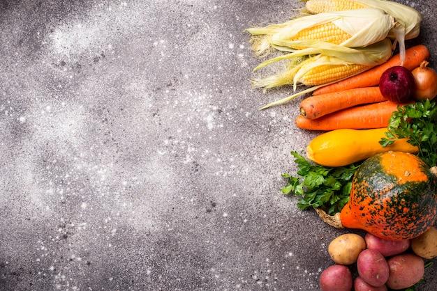 Vários vegetais de outono, conceito de colheita