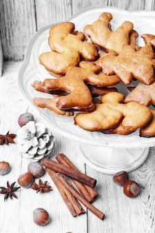 Vaso com biscoitos de natal