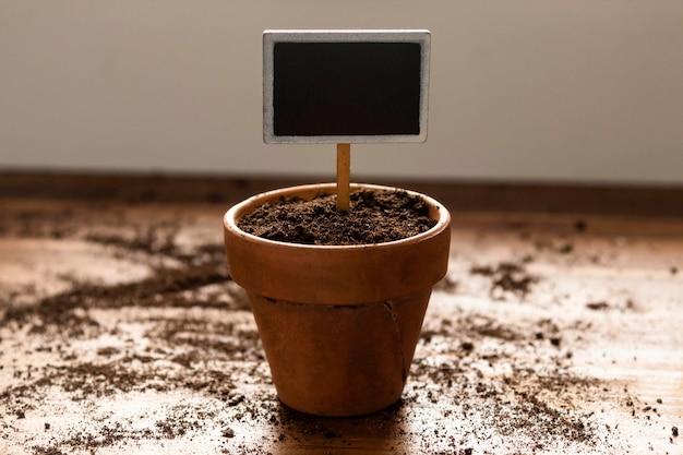 Vaso de jardinagem no chão