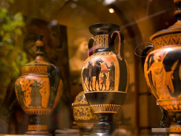 Vasos decorativos em atenas, grécia
