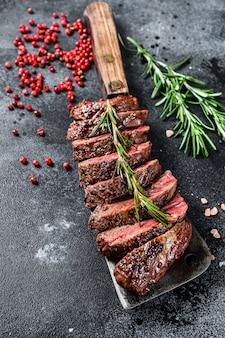 Vegas strip steak grelhado. bife de carne de mármore.