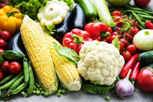 Vegetais crus diferentes