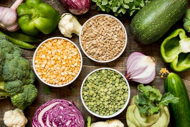 Vegetais e proteínas de vista superior
