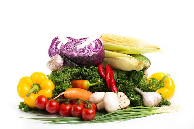 Vegetais isolados. conceito de alimentação saudável.