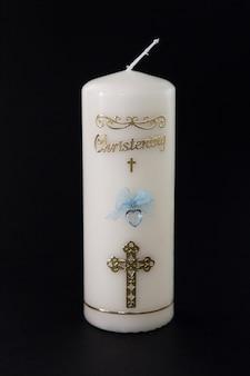 Vela branca de batismo com detalhes azuis