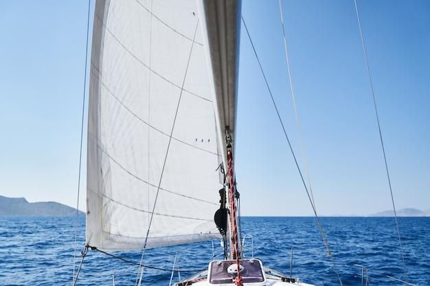 Vela com veleiro