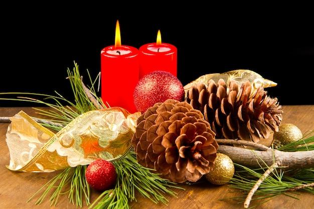 Vela de natal com pinha