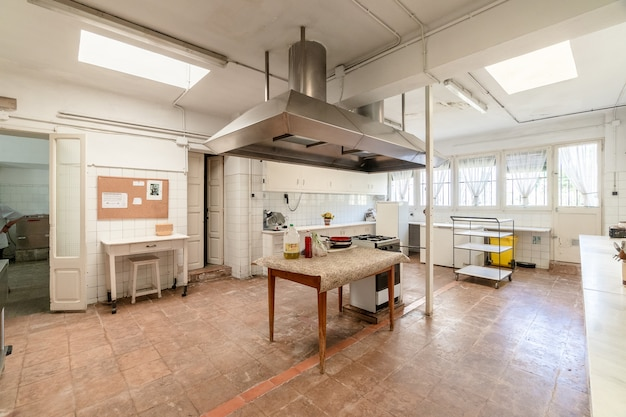 Velha cozinha industrial