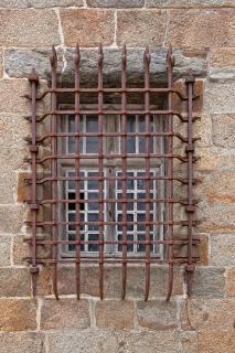 Velha janela de grade história hdr