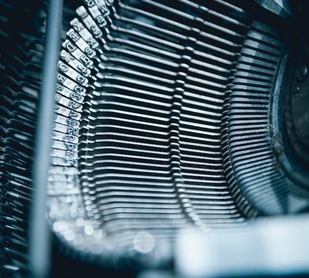 Velha máquina de escrever vintage. chaves clouseup.