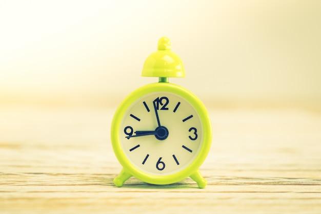 Velhos tempos de alarme hora retro