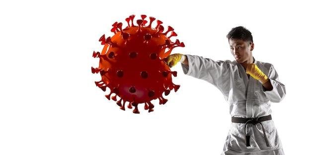 Vença a doença. esportista de artes marciais chutando, socando coronavírus, conceito de proteção e tratamento. tratamento do vírus chinês. cuidados de saúde, medicina, esporte e atividade durante a quarentena. folheto.