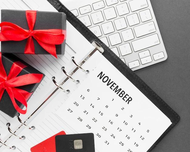 Venda cibernética de segunda-feira e calendário de novembro