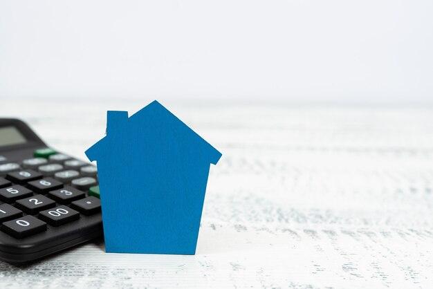 Vender a propriedade da terra, investir em uma nova propriedade, criar um contrato de venda, comprar uma casa recém-construída, calcular recursos monetários, planejar o futuro da família