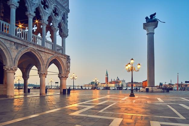 Veneza, praça de são marcos pela manhã