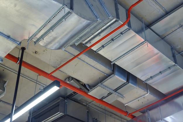 Ventilação, ar condicionado, iluminação e combate a incêndio.