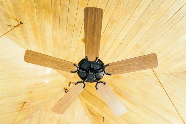 Ventilador de teto decoração interior do quarto