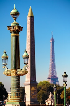 Ver através da place de la concorde, no centro de paris