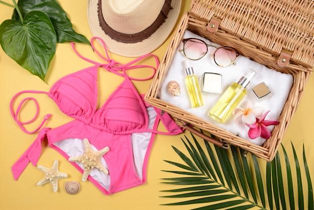 Verão e protetor solar, produtos de beleza cosméticos para cuidados com a pele e acessórios femininos
