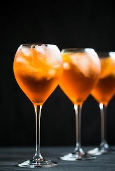 Verão refrescante aperitivo bebida aperol spritz