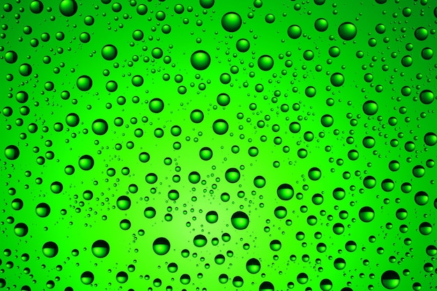 Verde e gotas de água