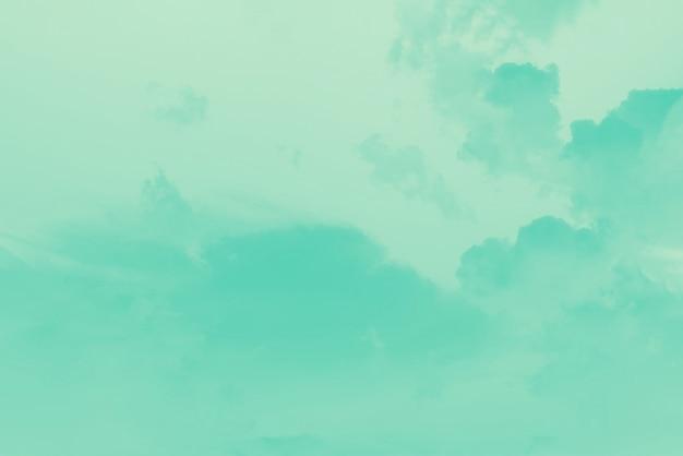 Verde esmeralda claro e fundo pastel do céu de cor menta
