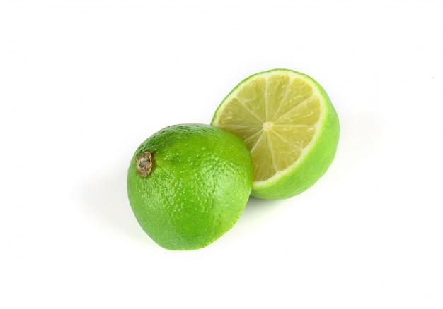 Verde limão cortado ao meio
