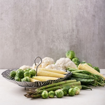 Verdes frescos prontos para cozinhar