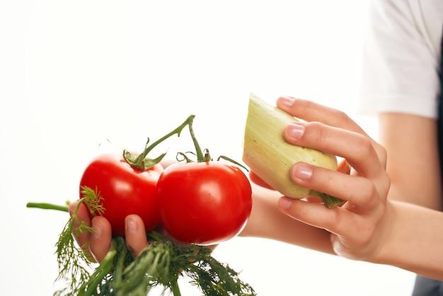 Verduras com tomate para cozinhar salada orgânica