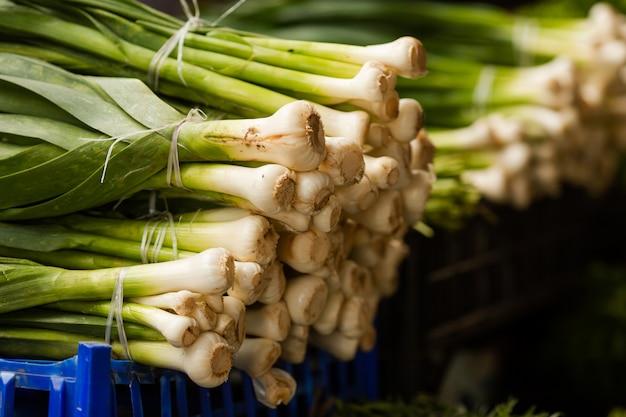 Verduras frescas no mercado dos fazendeiros