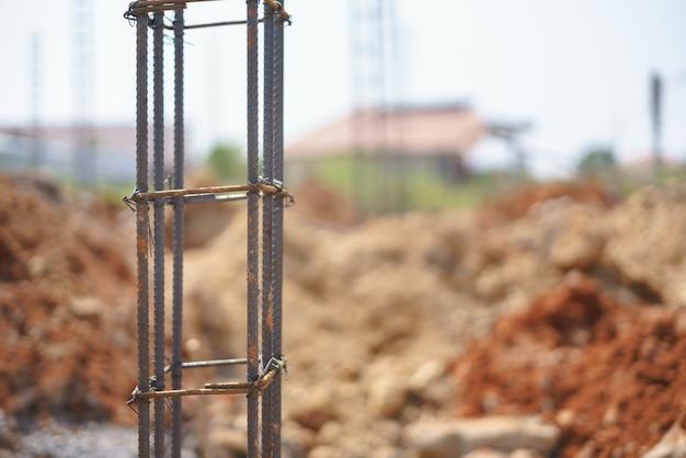 Vergalhão rústico para barra de aço reforçado em formato quadrado