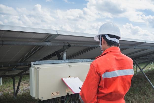 Verificação e manutenção de engenharia, usina solar para inovação