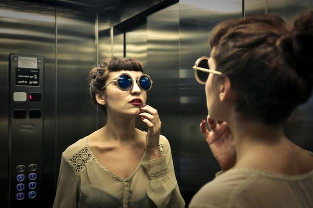 Verificando no espelho