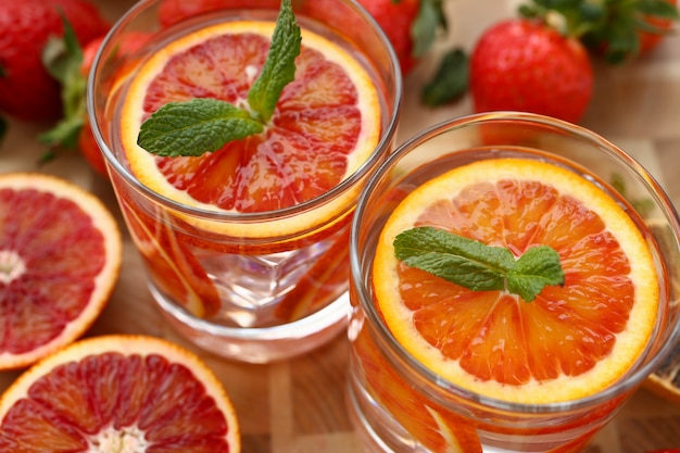 Vermelho laranja soco caseira closeup cocktail