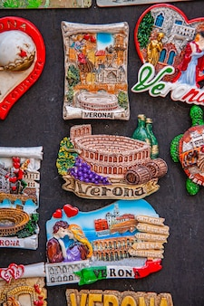 Verona, itália 10 de setembro de 2020: textura de detalhes de lembranças de verona