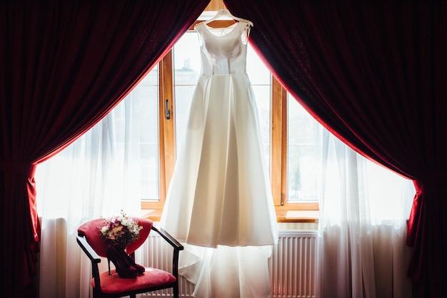 Vestido de noiva perfeito no dia do casamento