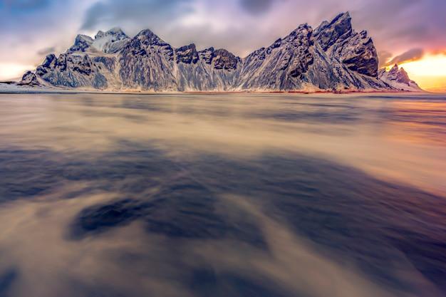 Vestrahorn islândia em stokksnes, paisagem da islândia oriental